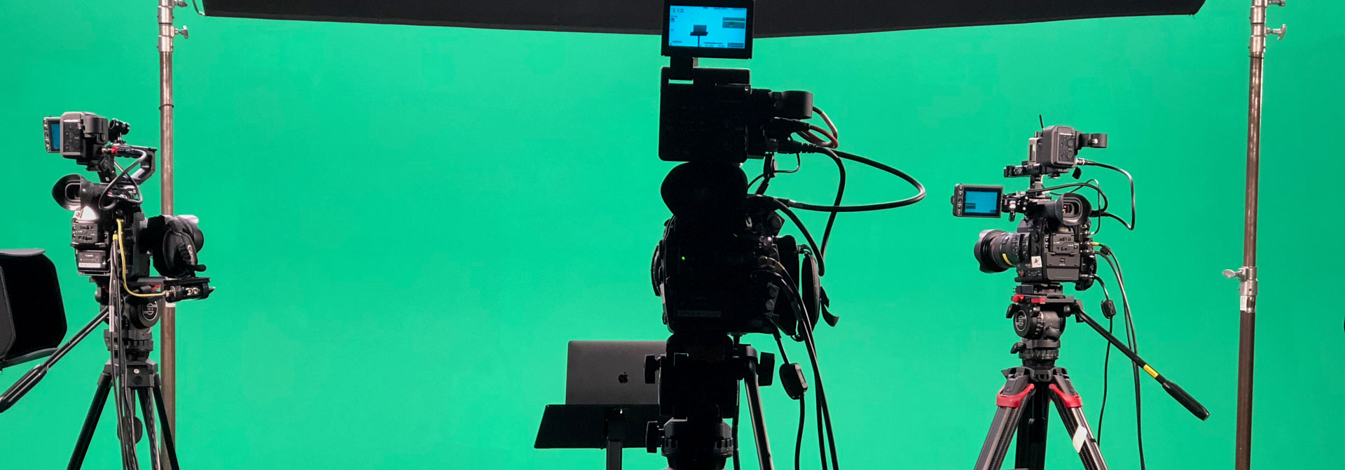 3-Camera Corporate Green Screen